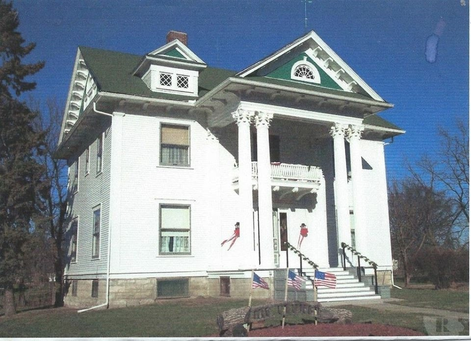 Iowa 1908 Colonial Revival
