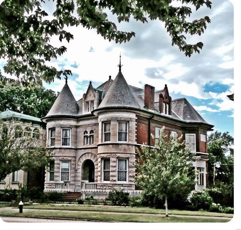 1890 Victorian Mansion In Saint Louis Missouri
