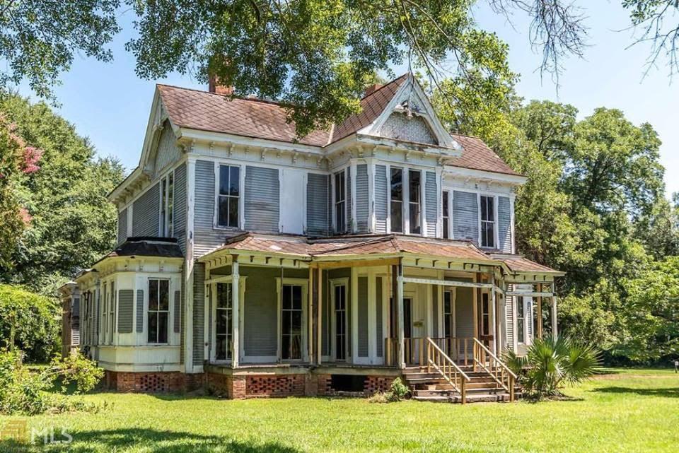 1883 Abandoned House In Madison Georgia