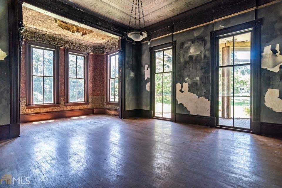 1883 Abandoned Historic House For Sale In Madison Georgia