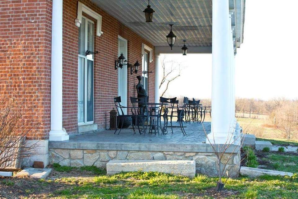 1850 Talbot Home For Sale In Fayette Missouri