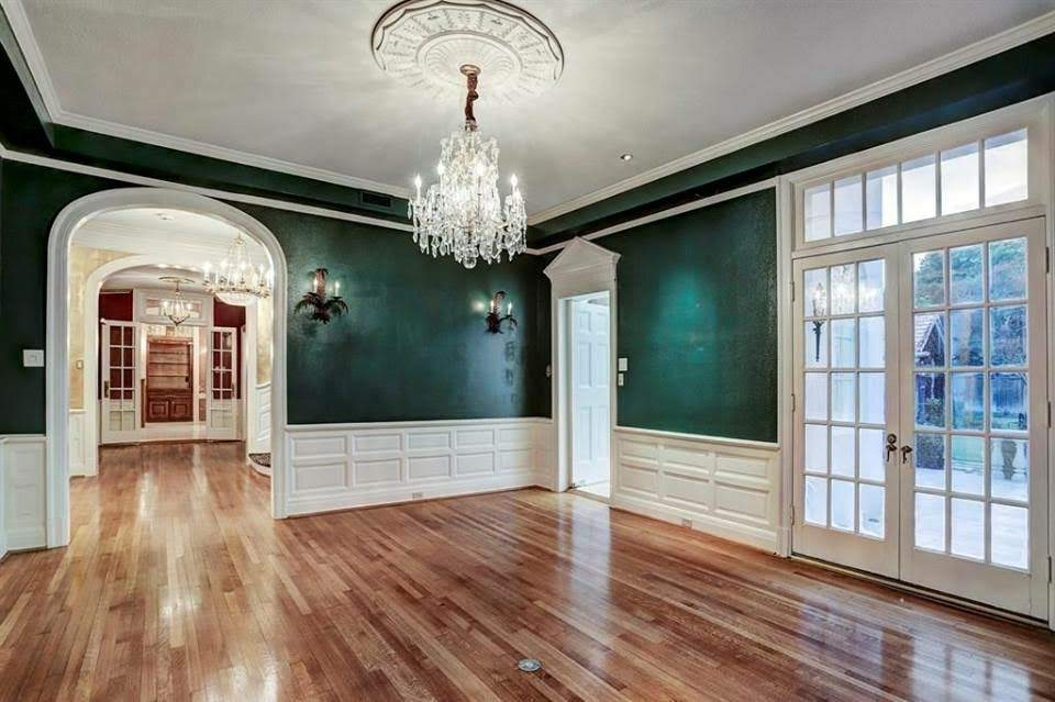 1922 Neoclassical Mansion For Sale In Houston Texas