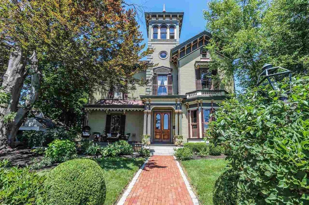 1867 Italianate Villa In Manchester New Hampshire