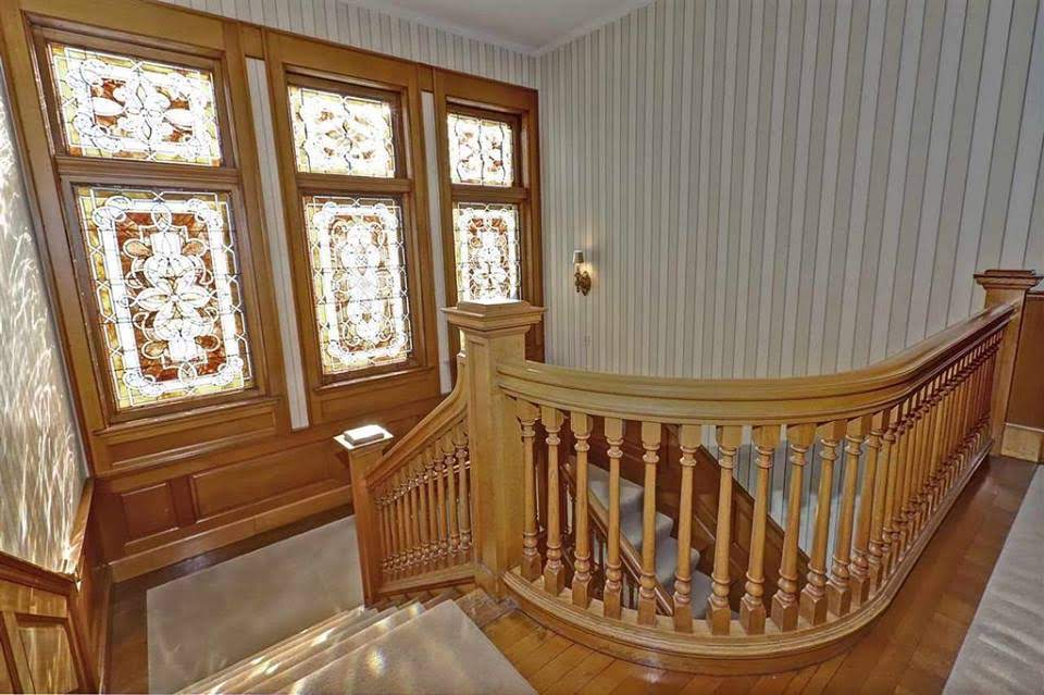 1893 Historic Mansion For Sale In Neenah Wisconsin