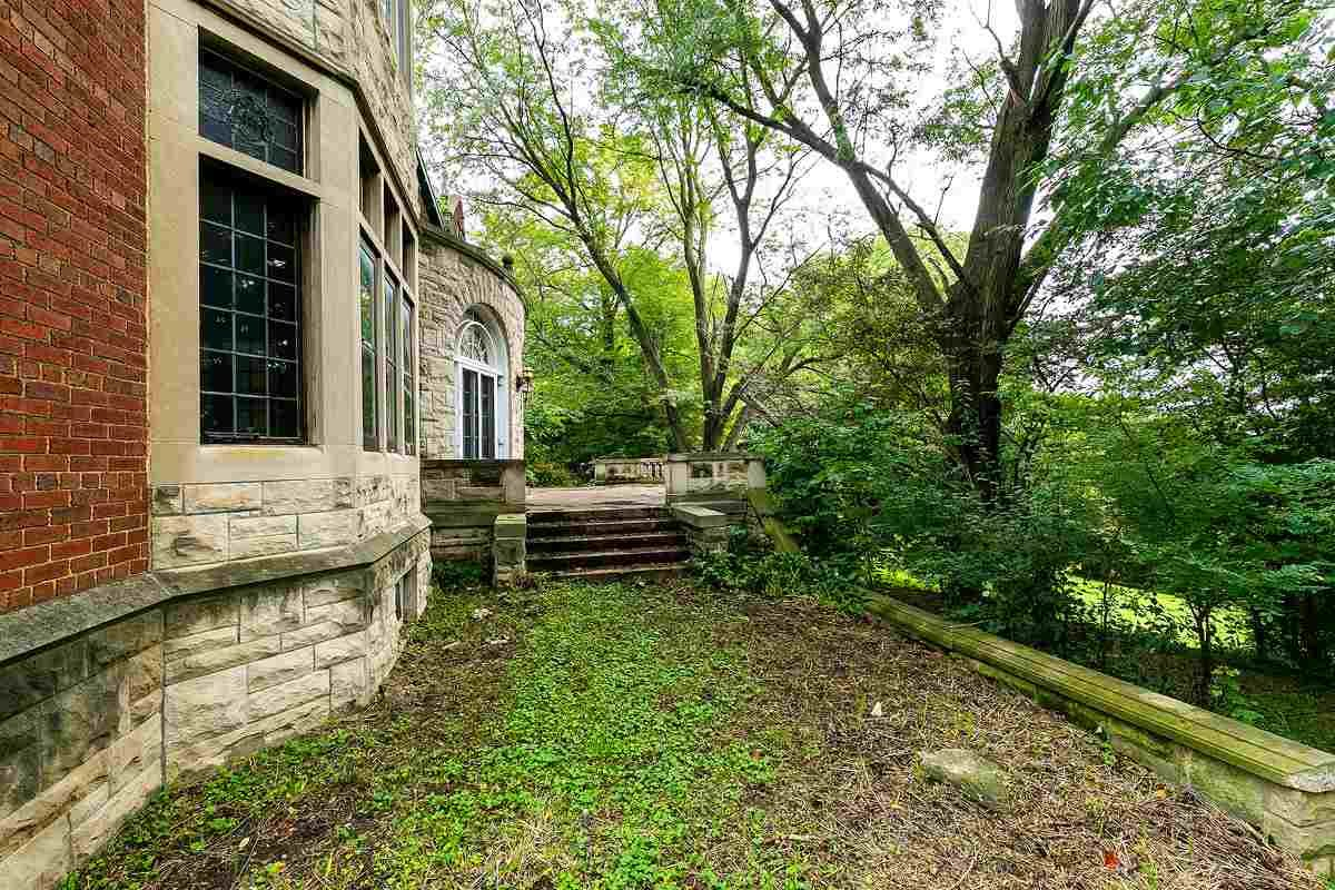 1910 Mansion For Sale In Davenport Iowa
