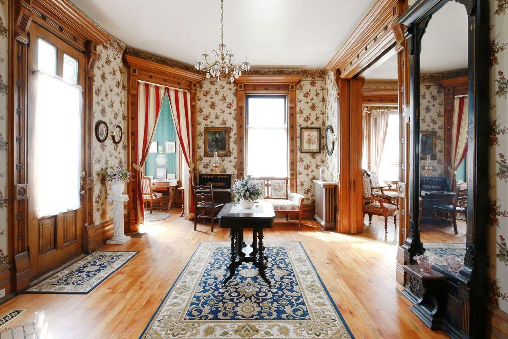 1885 Queen Anne For Sale In Hastings Michigan