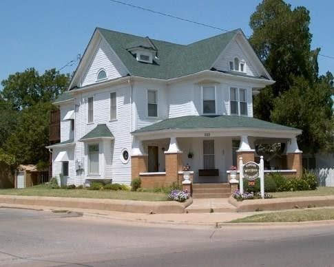 1907 Victorian For Sale In Mangum Oklahoma