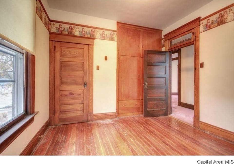1904 Victorian For Sale In Carlinville Illinois