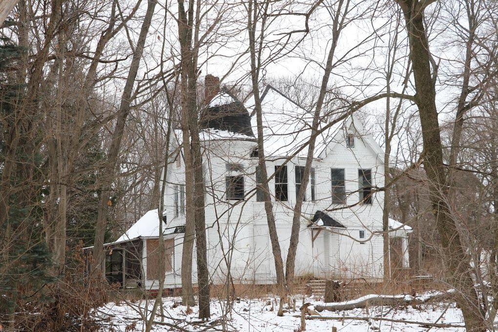 1910 Fixer Upper For Sale In Benton Harbor Michigan