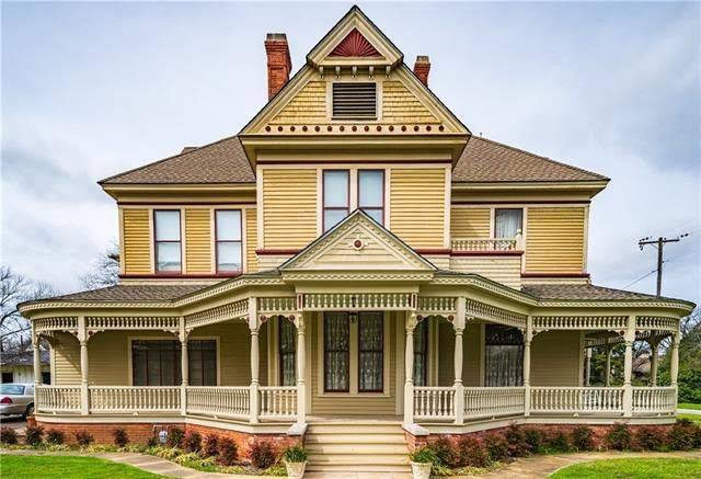 1898 Victorian For Sale In Hillsboro Texas