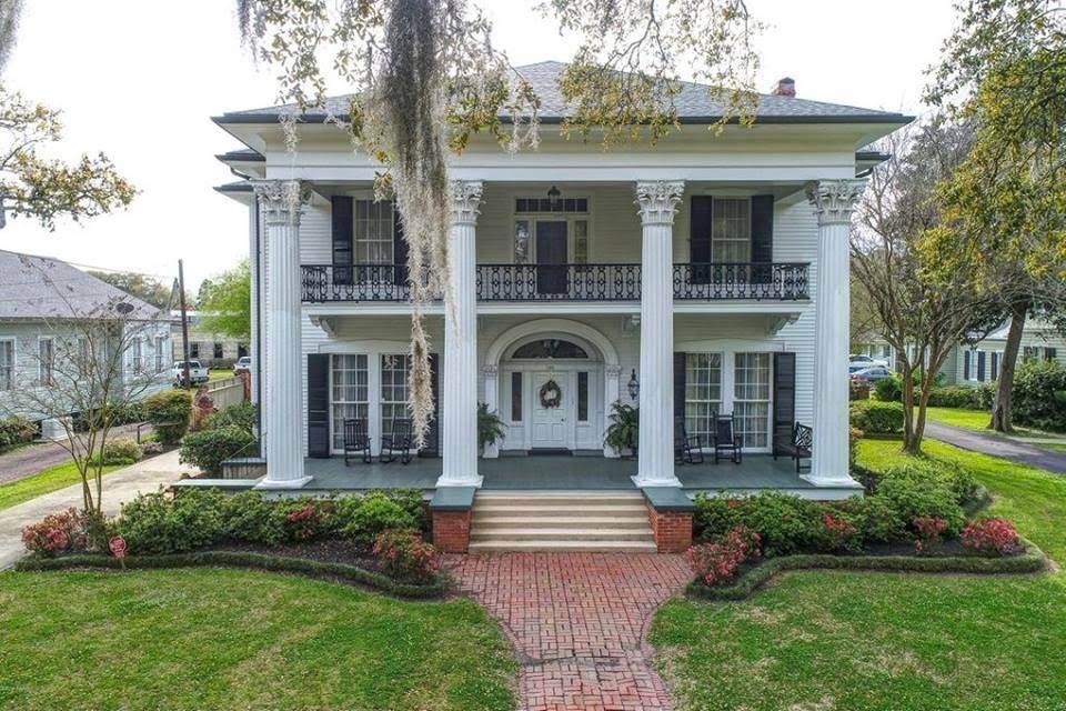 1857 Greek Revival In Franklin Louisiana