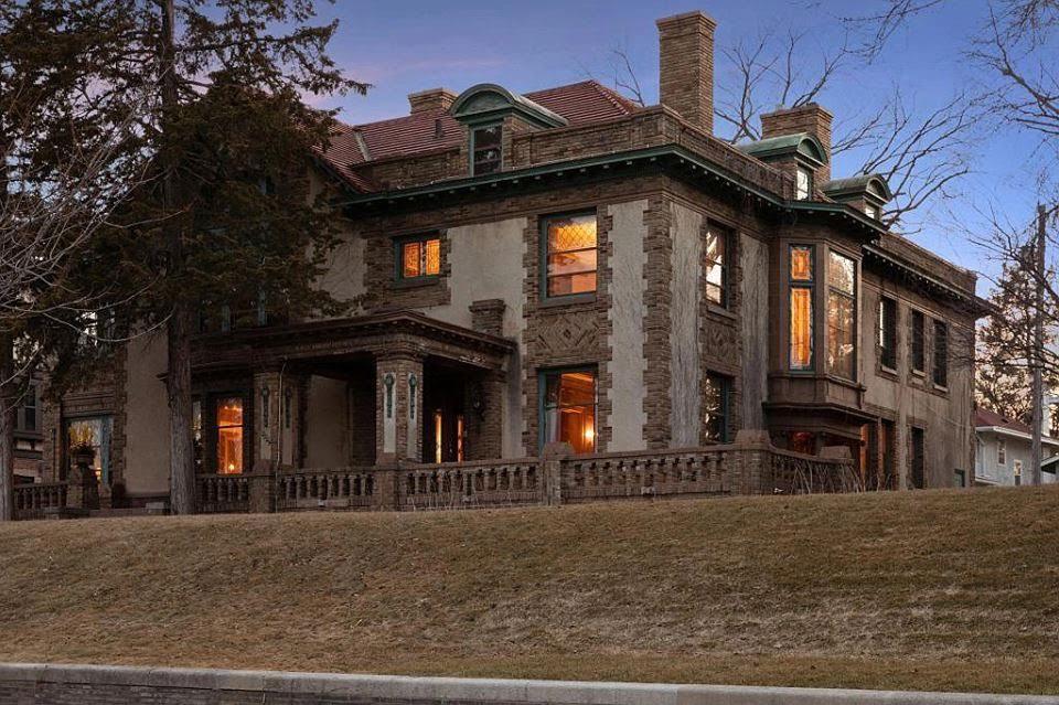 1915 Mansion In Minneapolis Minnesota