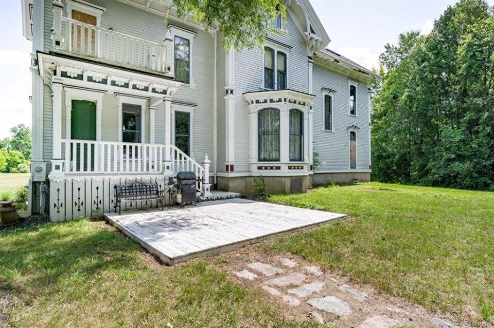 1865 Italianate For Sale In Lapeer Michigan