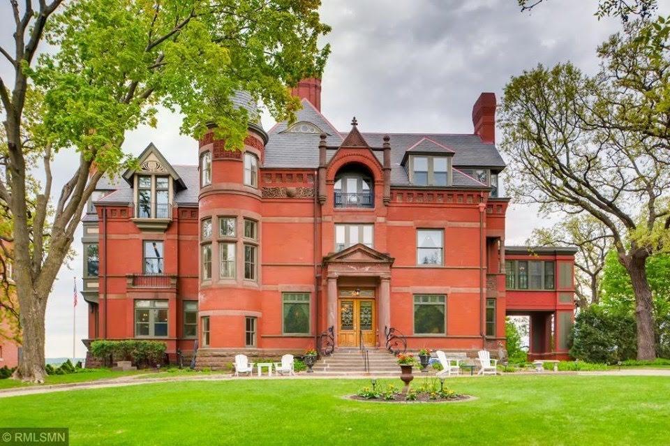 1884 Mansion In Saint Paul Minnesota