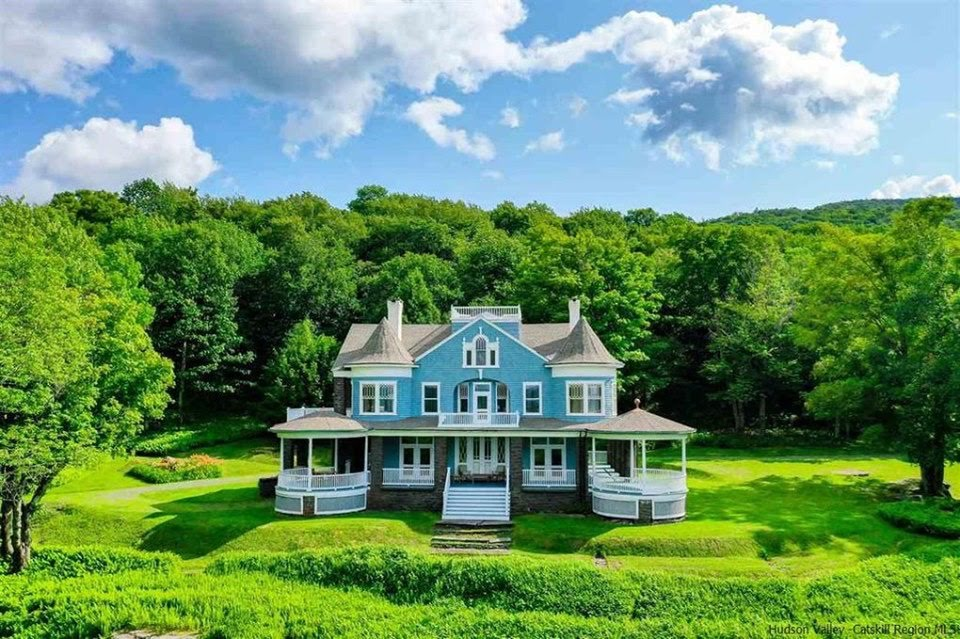 1905 Victorian In Pine Hill New York