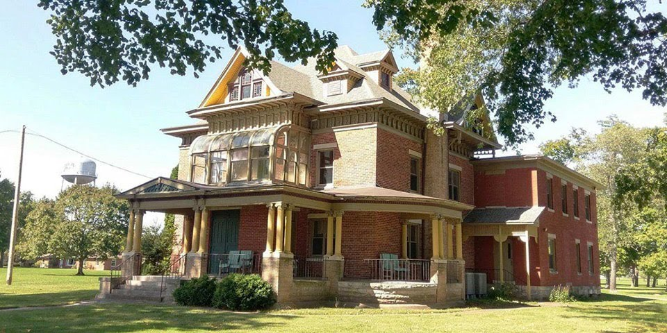1860 Hubbard House In New Carlisle Indiana