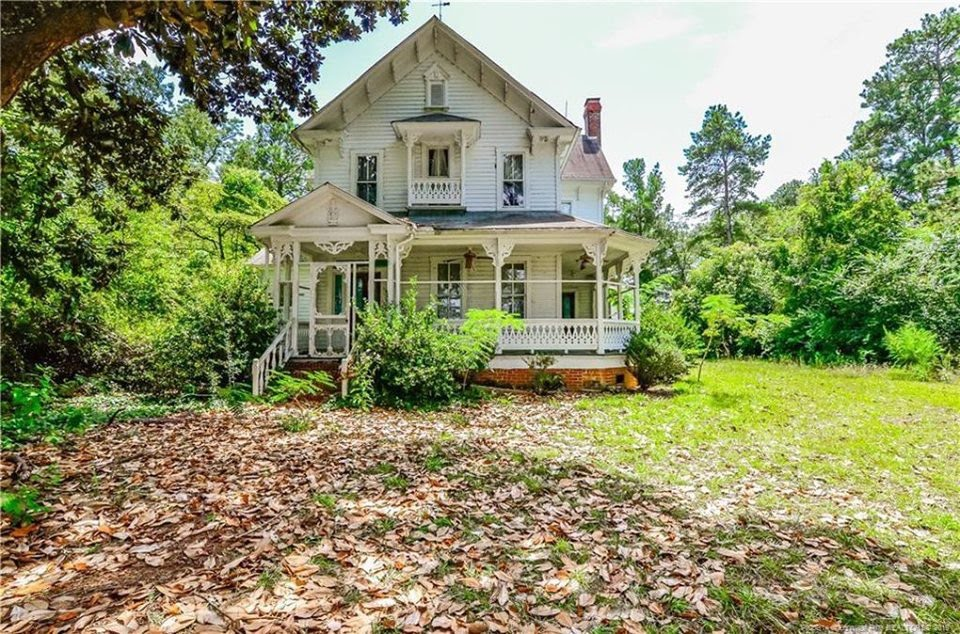 1885 Farmhouse In Laurinburg North Carolina