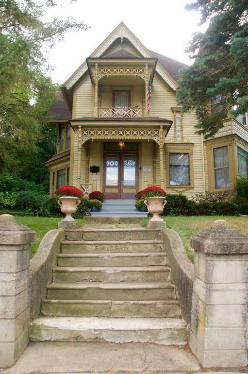1891 Victorian For Sale In Carpentersville Illinois