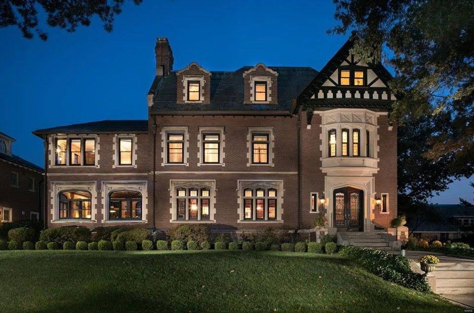 1910 Tudor Revival Mansion For Sale In Saint Louis Missouri