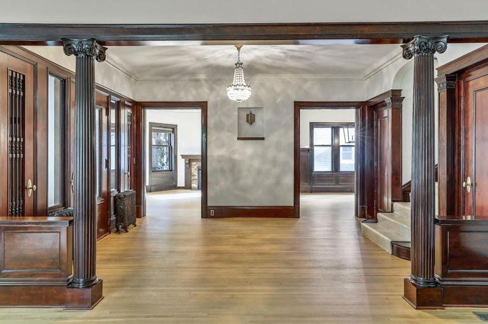 1902 Georgian Colonial For Sale In Minneapolis Minnesota
