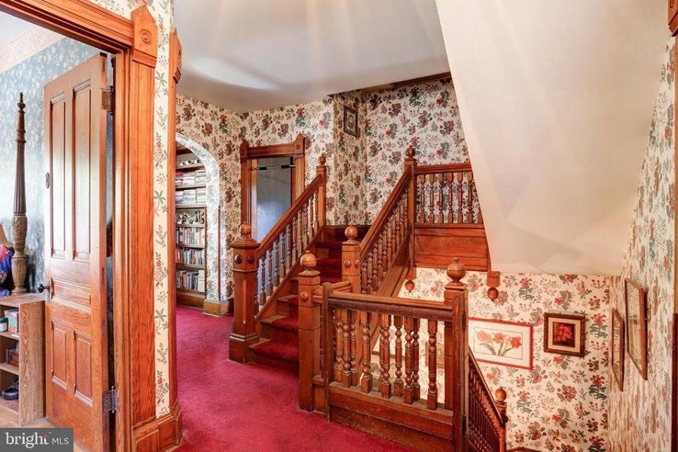 1896 Victorian For Sale In Mechanicsburg Pennsylvania