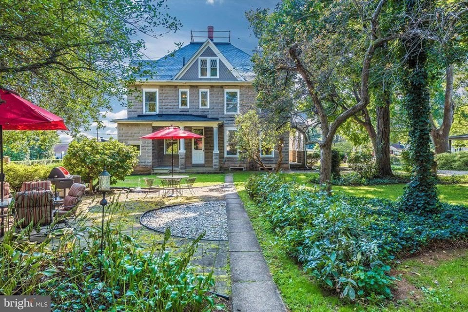 1906 Colonial Revival For Sale In Middletown Maryland