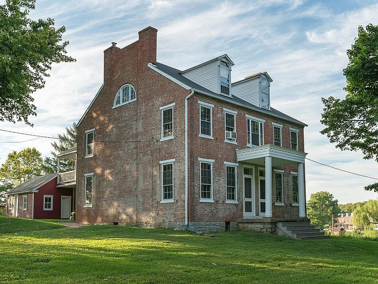1830 Farmhouse For Sale In Marietta Pennsylvania