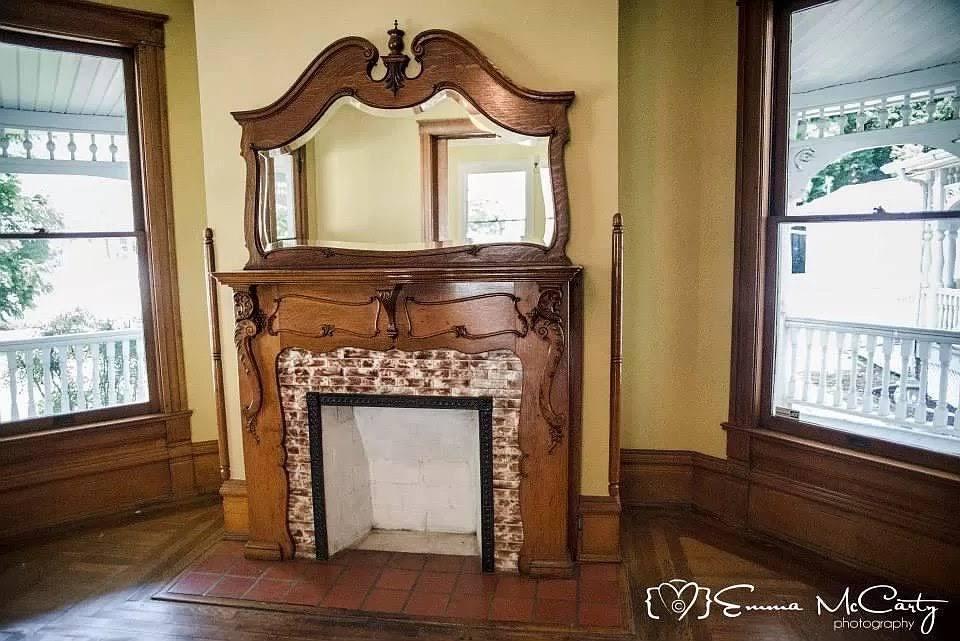1900 Victorian For Sale In La Follette Tennessee