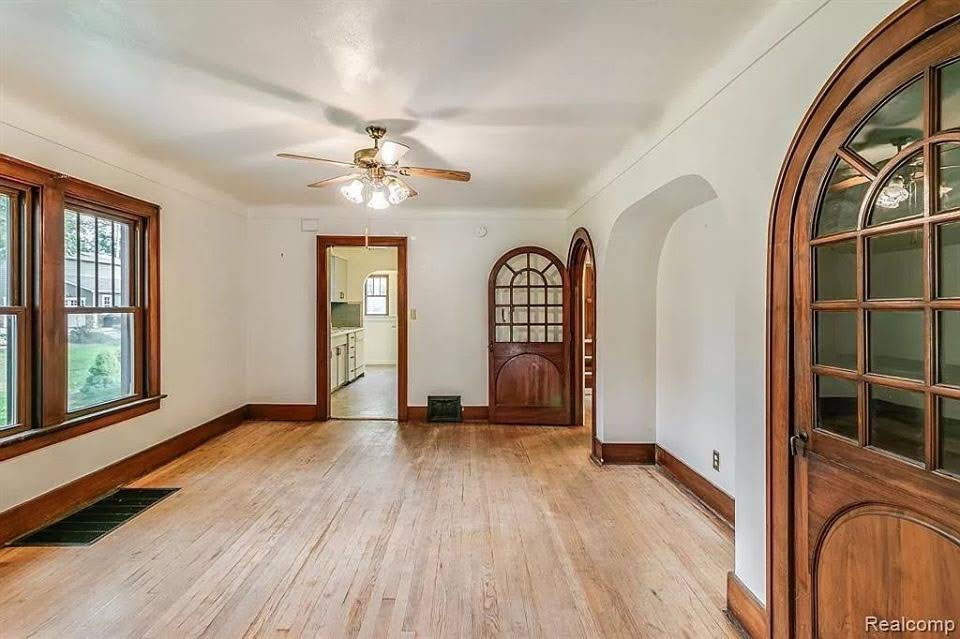 1923 Tudor Revival For Sale In Monroe Michigan