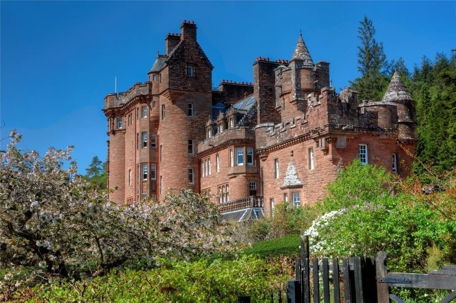 1902 Glenborrodale Castle In Highland Scotland