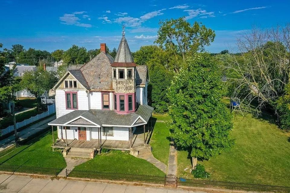 1898 Fixer Upper In Dunkirk Indiana