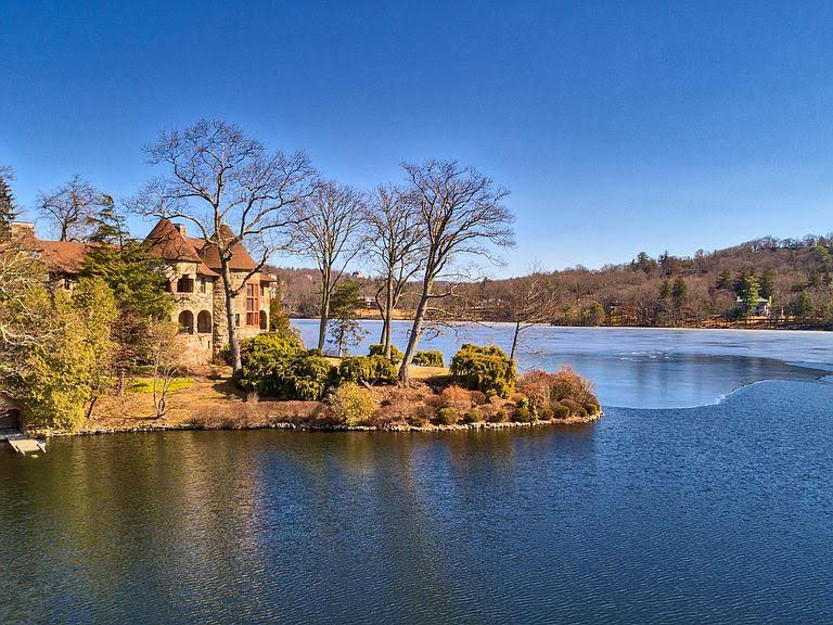 1896 Mansion For Sale In Tuxedo Park New York