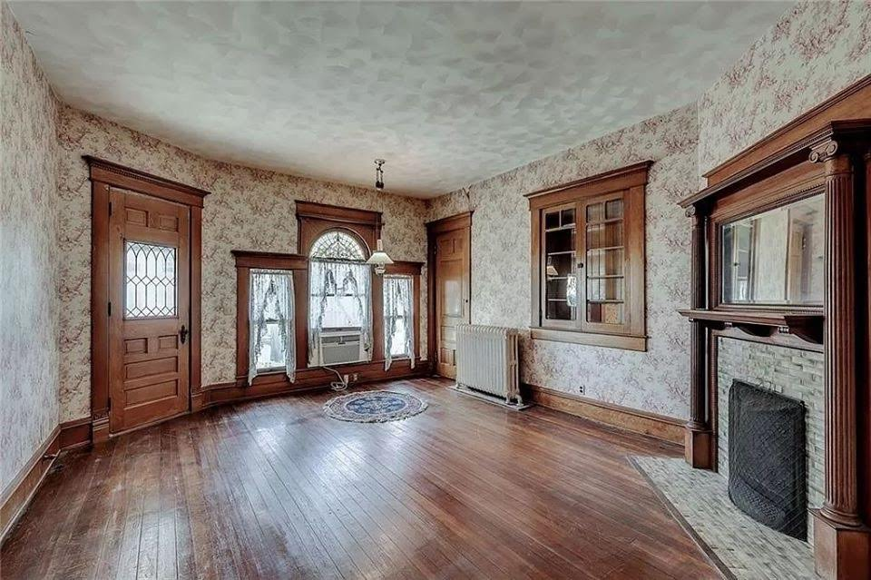 1890 Victorian For Sale In Lebanon Indiana