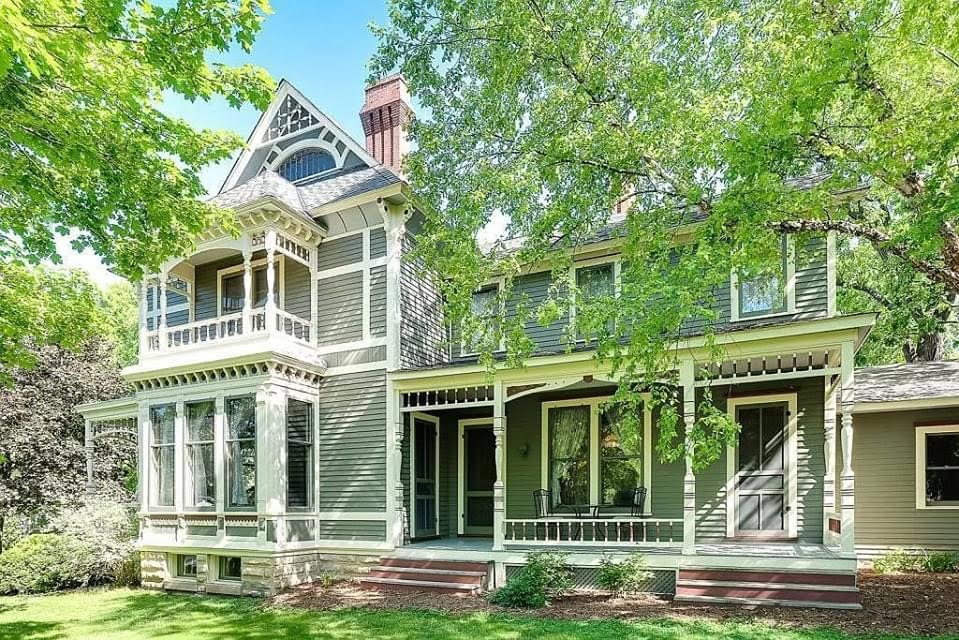 1885 Victorian For Sale In Hudson Wisconsin