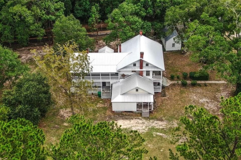 1889 Victorian For Sale In Freeport Florida