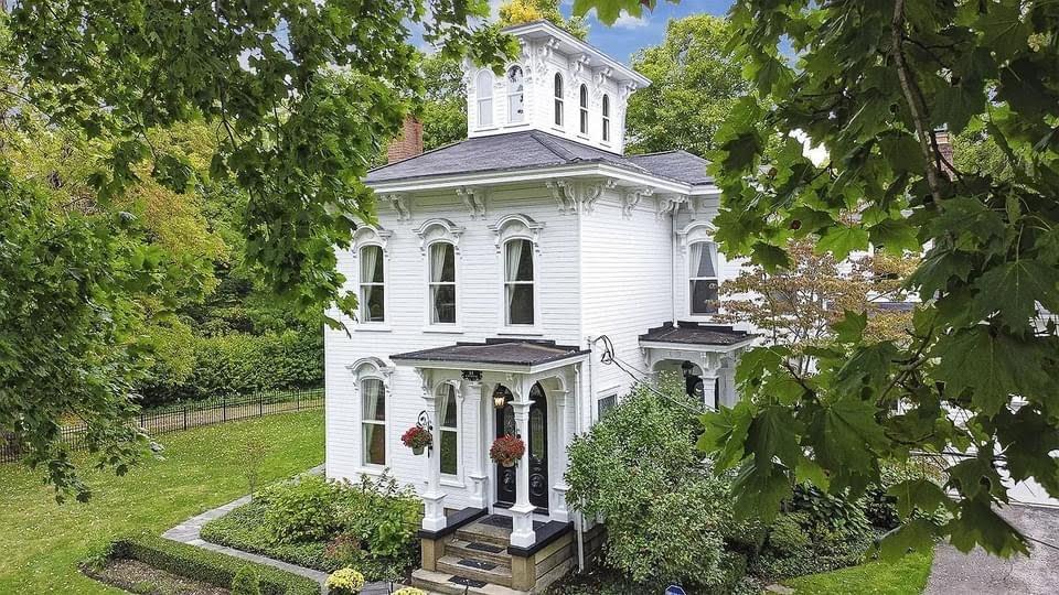 1870 Italianate For Sale In Chagrin Falls Ohio