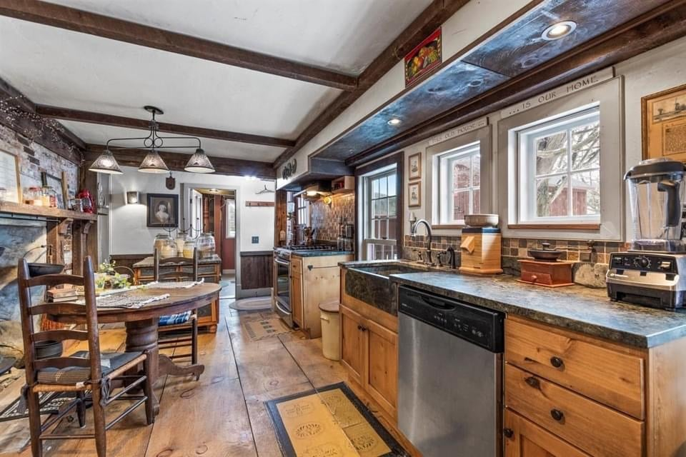 1742 Saltbox For Sale In Pownal Vermont