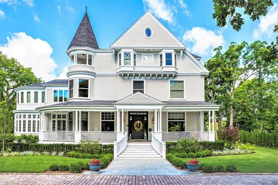 1892 Victorian For Sale In Highland Park Illinois