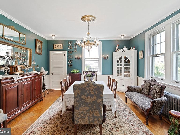 1930 Georgian Revival For Sale In Upper Darby Pennsylvania